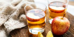 DETOX WITH APPLE CIDER VINEGAR